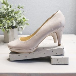 Bandolino Nude Platform Heels Size 8.5